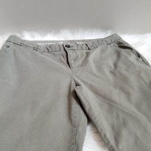 Women's Olive Green Khakis by Gap Size 8